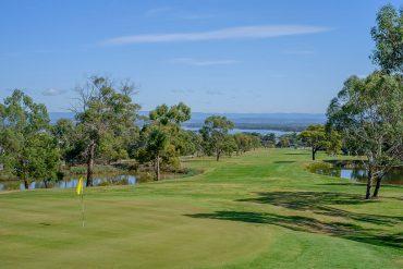 Tee off around East Coast Tasmania Golf Golfing